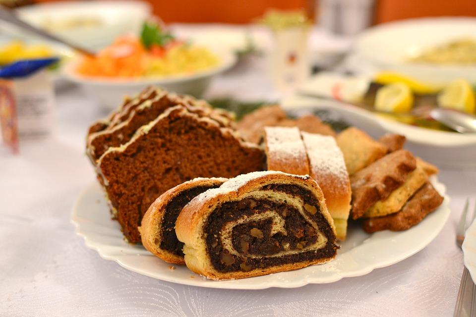 Ciasta i słodkości mogą poważnie zaszkodzić zębom
